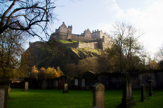 Edinburgh Castle from St Cuthberts Churchyard