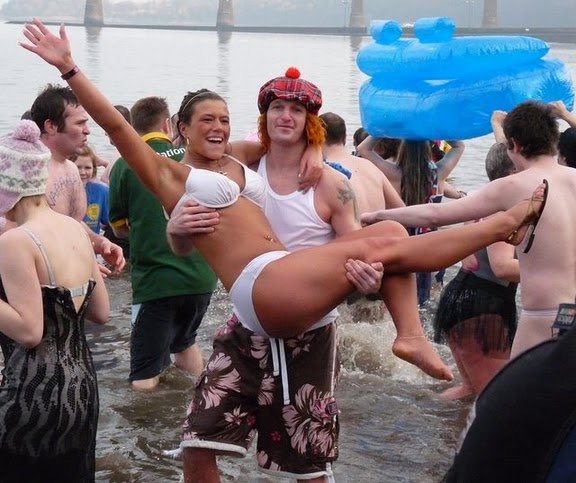 EVENT – Loony Dook on New Years Day, South Queensferry
