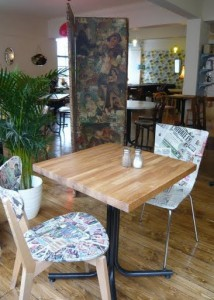 Edinburgh review spoon cafe nicolson street for Funky cafe furniture