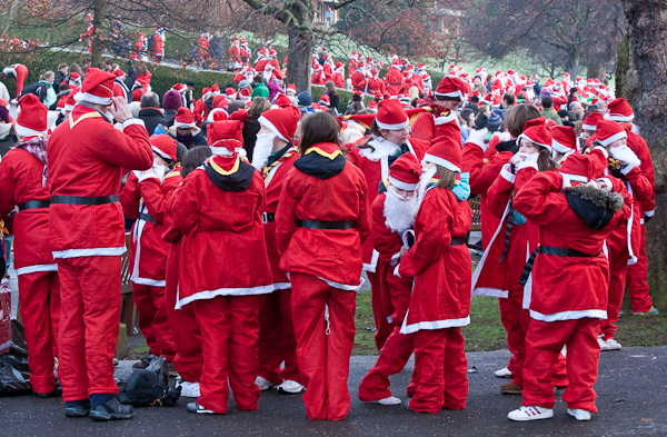 Competitors prepare for the Great Scottish Santa Run