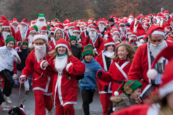 The Great Scottish Santa Run begins!