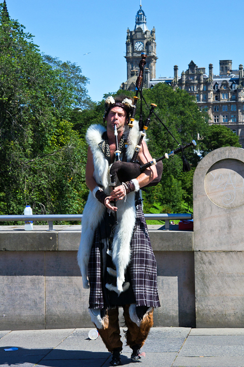 Street entertainers are out in force in Edinburgh
