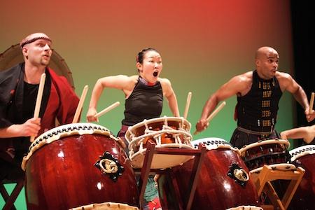 Tenchi Shinmei (Art Lee on right)