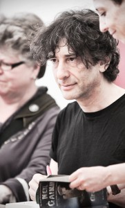 Neil Gaiman at the book signing