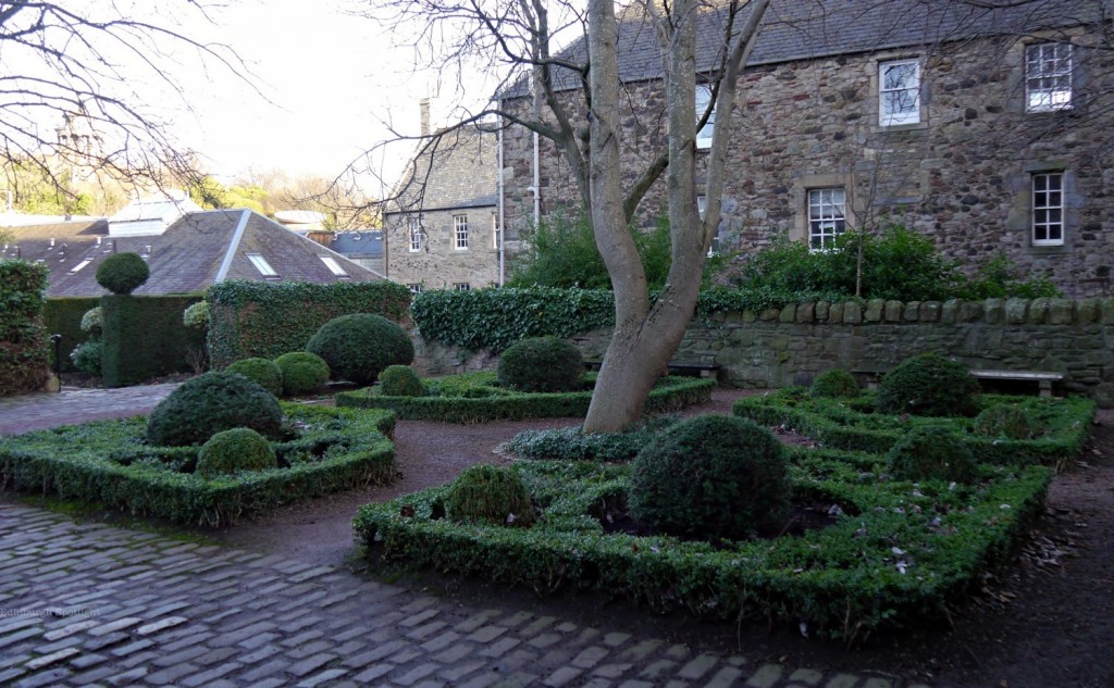 Dunbar's Close Garden hidden off the Royal Mile.