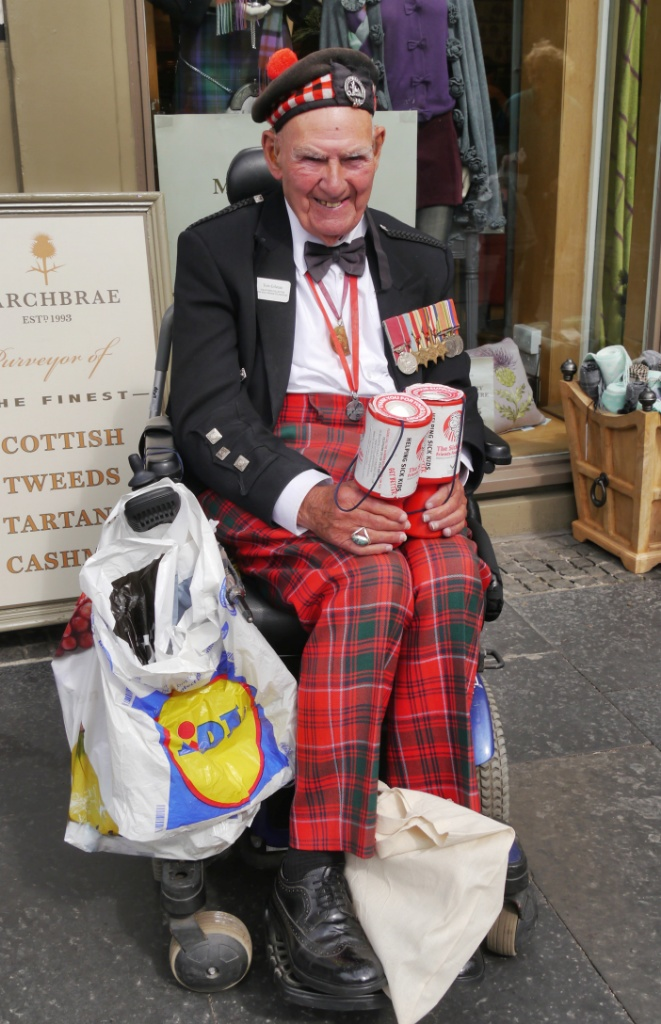 Tom Gilzean, aged 95 and still collecting money for charity on the streets of Edinburgh