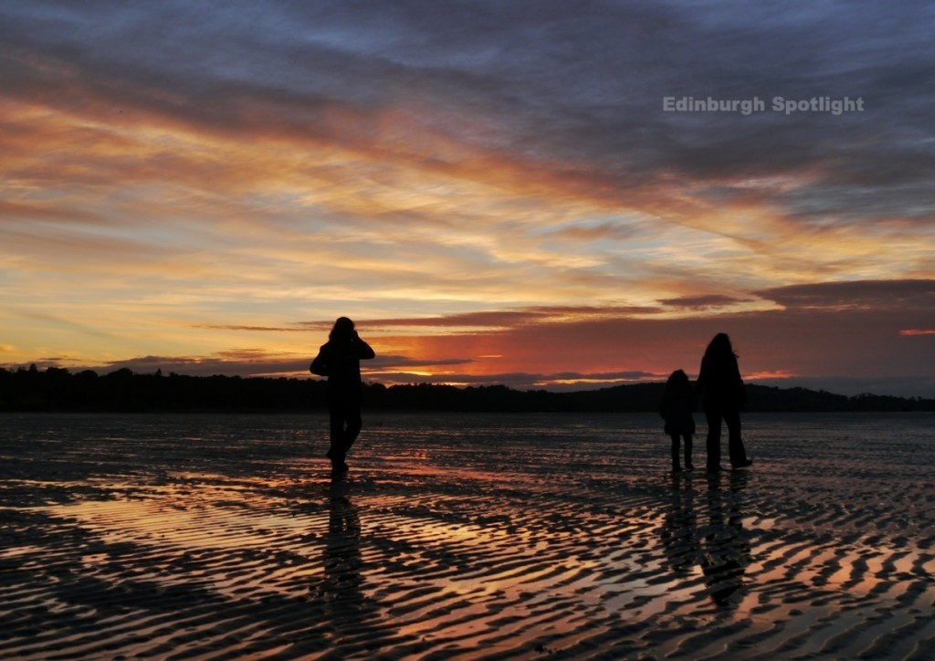 Silhouettes at sunset, Silverknowes