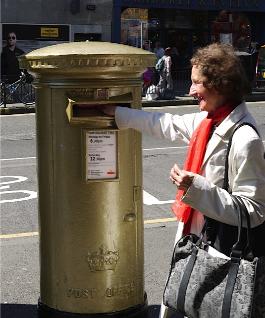One of the two gold postboxes in honour of Sir Chris Hoy