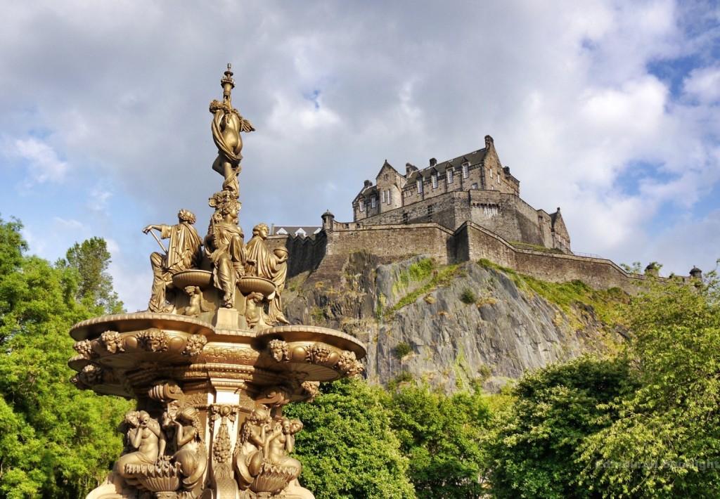 Ross Fountain and Edinburgh Castle in the evening sun