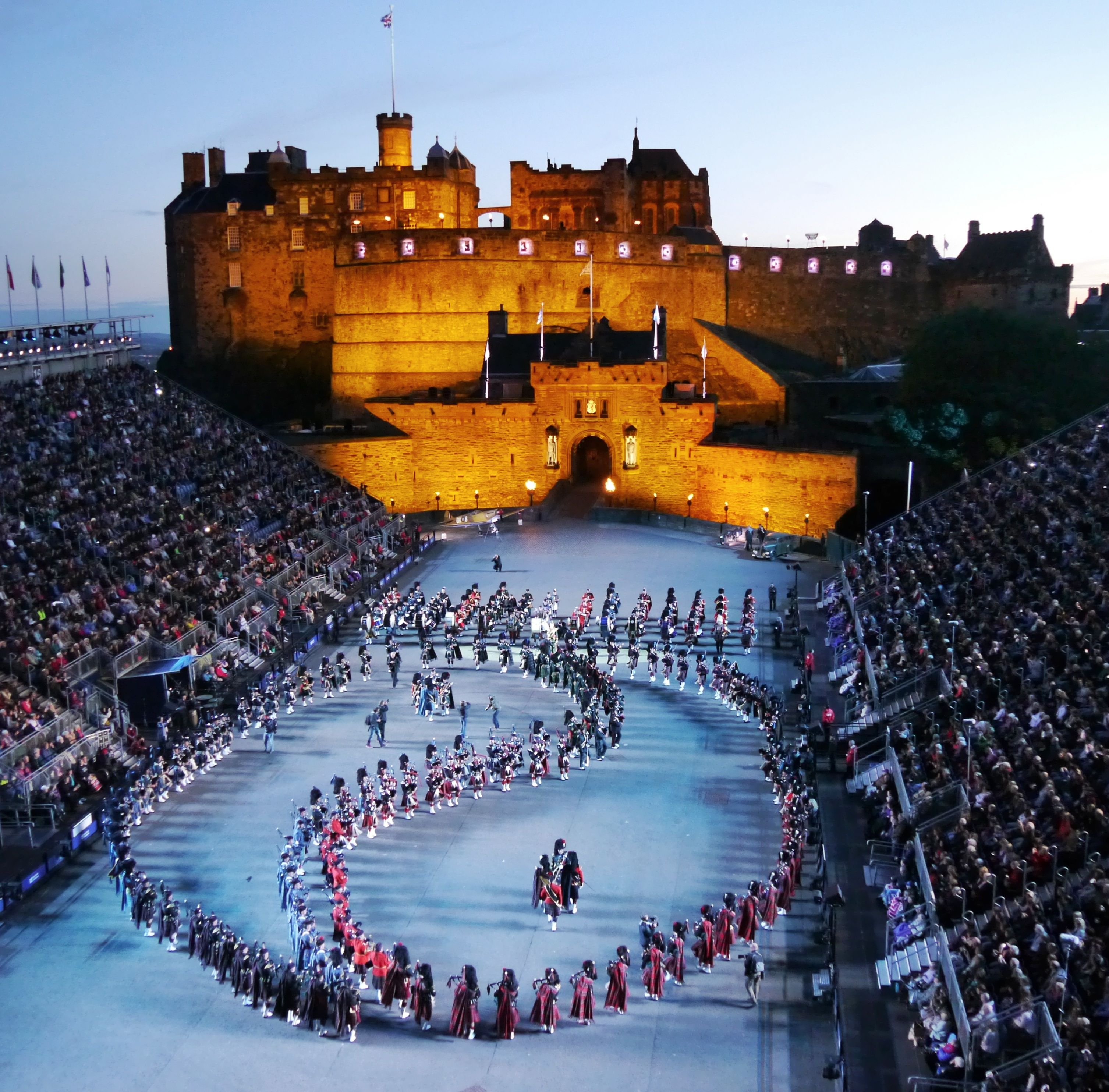 Edinburgh photos the royal edinburgh military tattoo for Royal edinburgh military tattoo