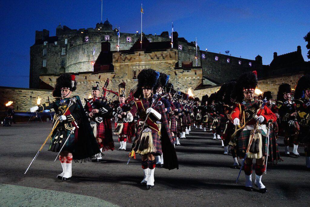 Edinburgh photos the royal edinburgh military tattoo for Scottish military tattoo