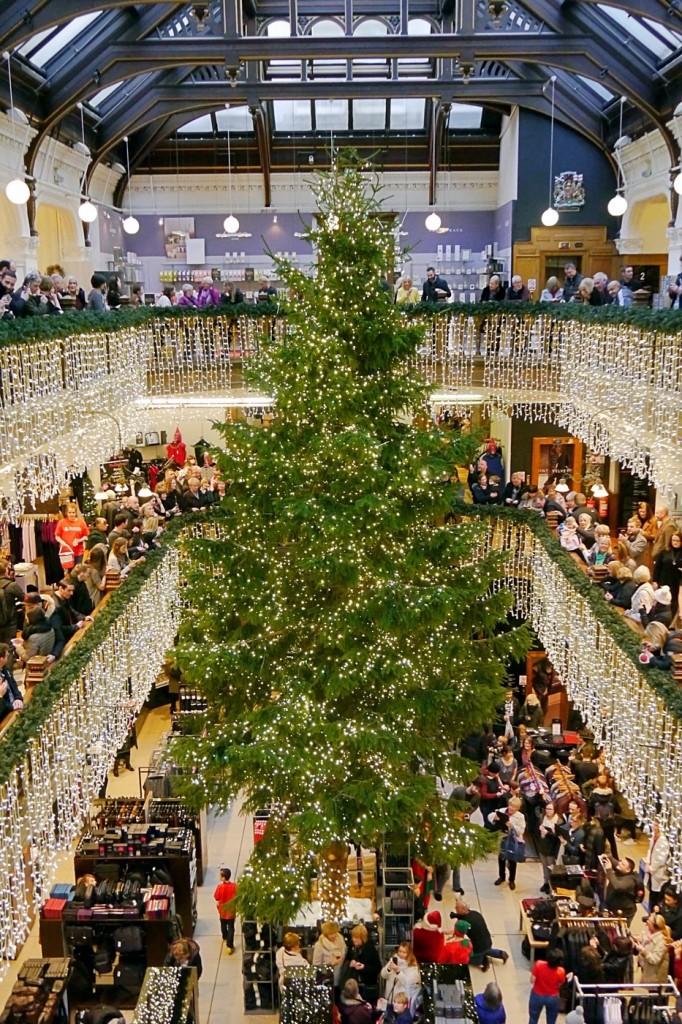 The 2015 Jenners Christmas Tree