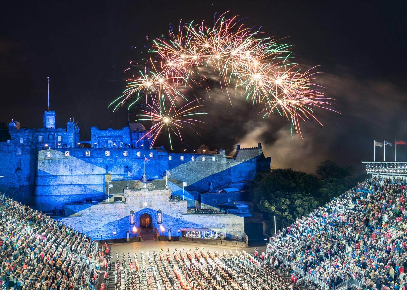 Edinburgh photos the royal edinburgh military tattoo for Tattoo edinburgh scotland