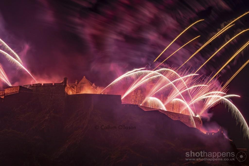 Edinburgh International Fireworks 2018 by Callum Ollason